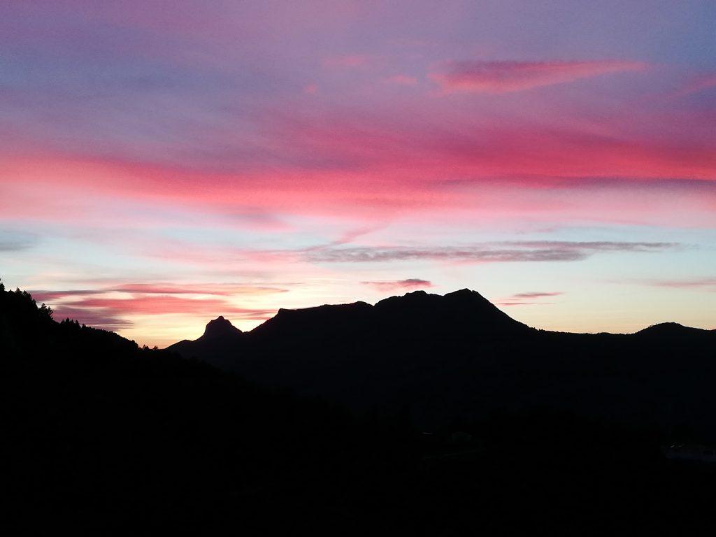 Pink sky at casa tarsan vegan eco lodge