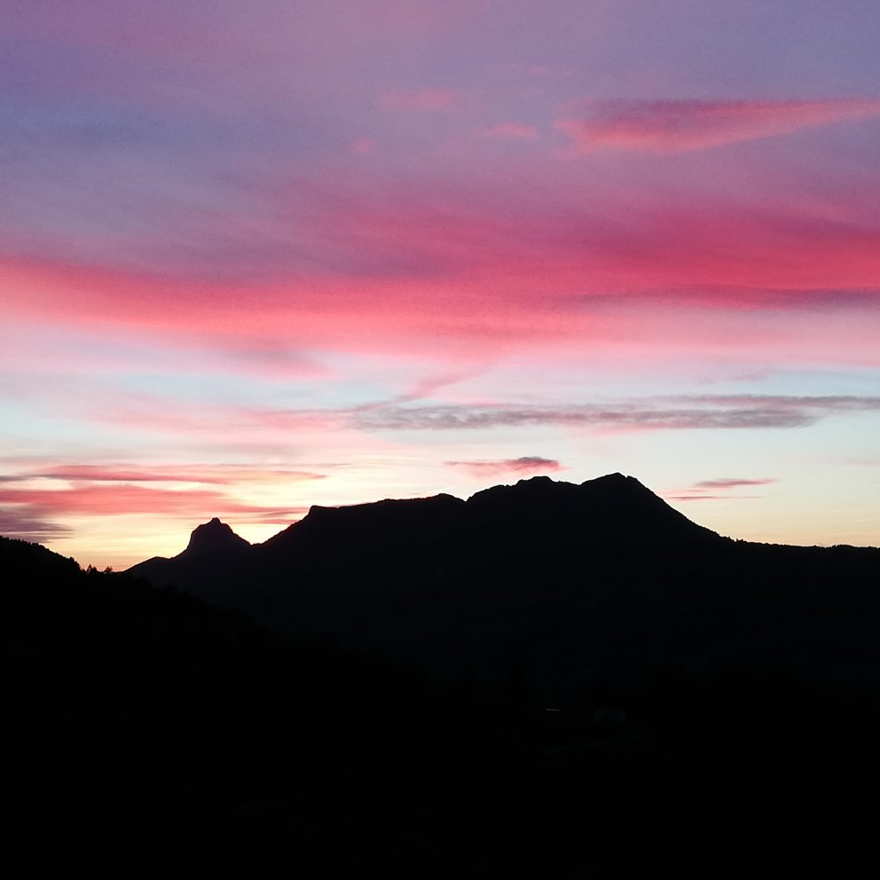 Pink sky at casa tarsan vegan eco lodge